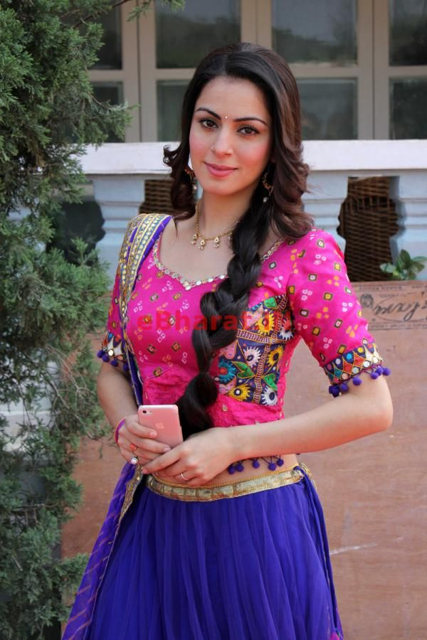 Nov, 13: Shraddha Arya at Tumhari Pakhi New Serial Launch Photo Shoot.