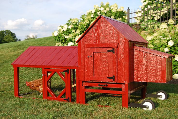 The 25 best urban chicken coop ideas on pinterest for Small portable chicken coop