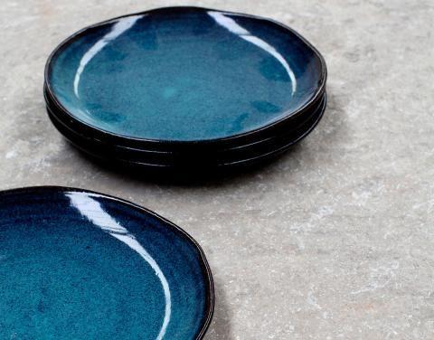 Geschirr aus Keramik und Steinzeug
