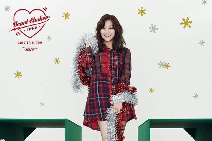 TWICE -1st Album Repackage #Jihyo #Merry&Happy #Heart Shaker