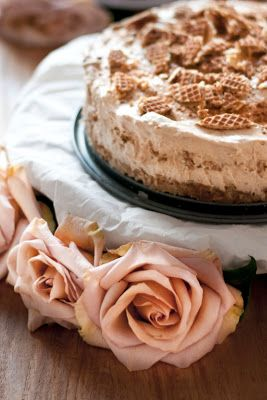 PIEN.: STROOPWAFEL- TAART. Makkelijk en lekker (afwisselen met moncoe taart met kersen ons favoriet met verjaardagen.