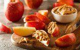 5 Low Carb Snacks für abends vor dem Fernseher