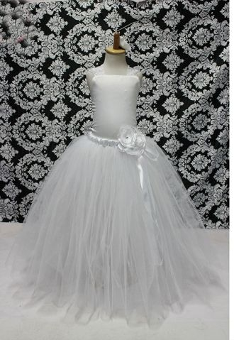 A simply breathtaking #tulle #dress for little girls! White for an angel baby with ivory diamond look. Fabric: Soft Tulle for the #skirt and satin top with lace ribbons to tie at the back.