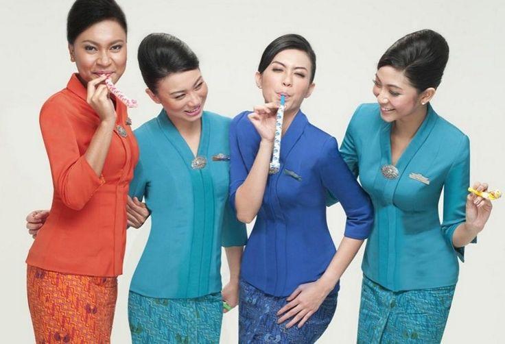 Untuk kedua kalinya Garuda Indonesia menyabet predikat Awak Kabin Terbaik versi Skytrax 2015.