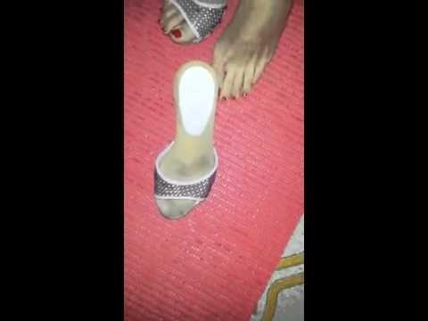video di un piede femminile con smalto rosso #footfetish #video #sexy #piede