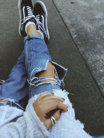 Torn jeans and comfy sneakers #denim #StreetWear #fashion