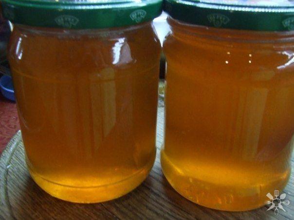 """Из яблок можно приготовить отличную заготовку на зиму - яблочный """"мед"""". Натуральный пектин, содержащийся в яблочной кожуре придаст со временем сиропу структуру желе Ингредиенты: · Яблоки - 2.5 кг · С…"""