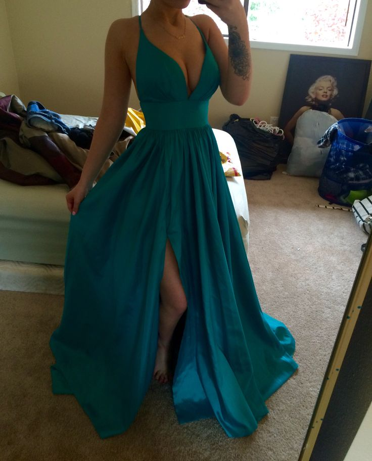 Paulina Vega Evening Gown 2015 Miss Universe Pageant Dress (US size 2,4,6,8 in Jade (as in picture) are in stock ready to ship. Other sizes and colors will be made from scratch which takes about 2 weeks.)