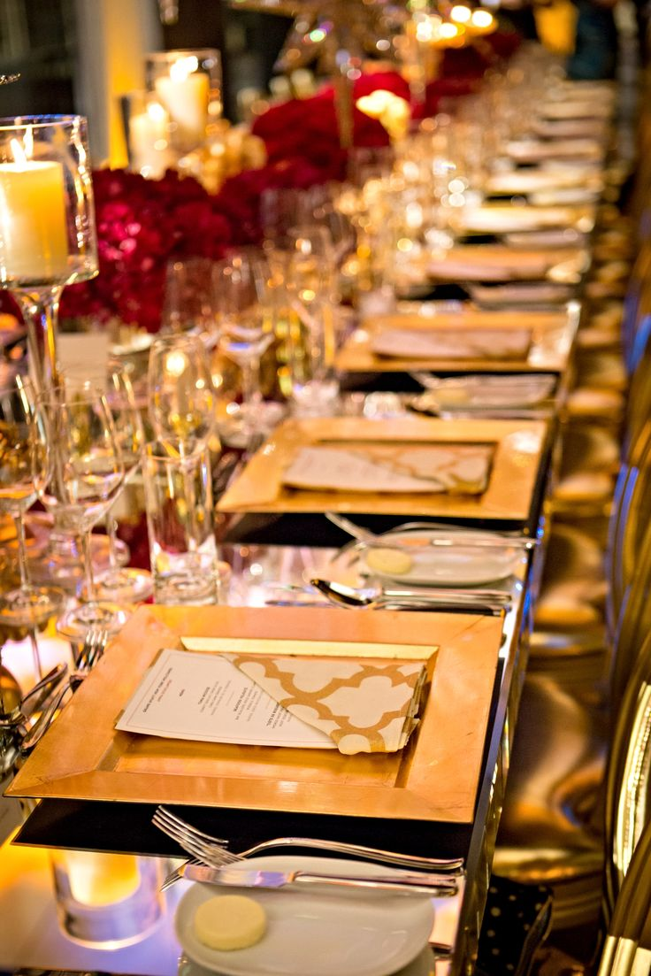 Table Setting Inspiration: Personalized menus and gold decor showcase a classic-meets-modern approach. #LivingGrand | Grand Hyat