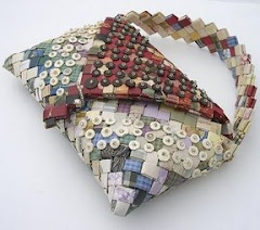 Bags & such made from wrappers (I will try making some from colorful magazine pages)Potatoes Chips, Chips Wrappers, Wrappers Purses, Candies Wrappers, Chips Bags, Paper Bags Pur, Wrappers Bags, Wrappers Pur Pattern, Recycle Potatoes