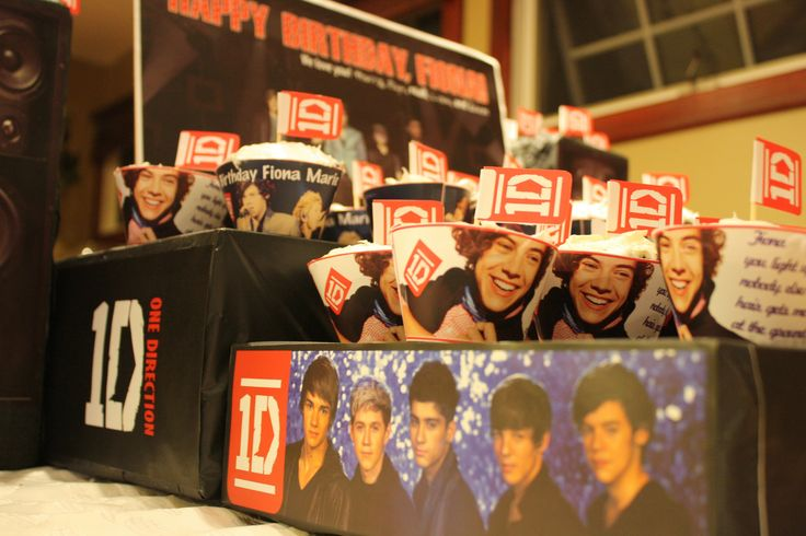 One Direction (ID) Birthday Party Theme - Concert Stage Cupcake Stand