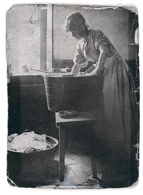 Family History Photo of the Week Winner (6 June 2014) ~ Mary Ann Robertson Holland  http://www.wikitree.com/photo/jpg/Robertson-2277