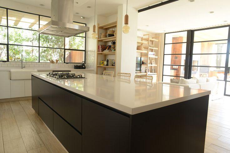Home - Revista Tigris Kitchen Island, Home Decor, Deco Cuisine, Kitchen Dining, Kitchens, Dining Rooms, Home Decoration, Quartos, Decorations