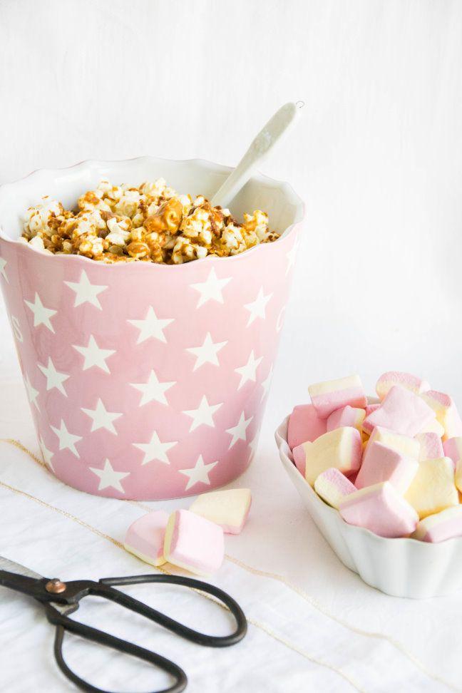 Selbstgemachtes Popcorn mit Erdnussbutter