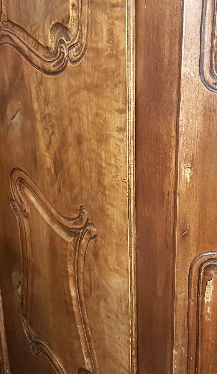 eladó szúrt barokk szekrény