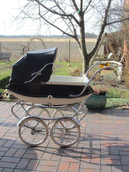 Koelstra,Nederlandsekinderwagen uit de jaren 60 -