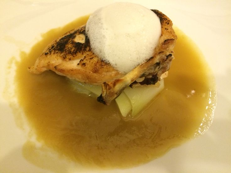 Chicken Supreme complemented with a Leek Velouté