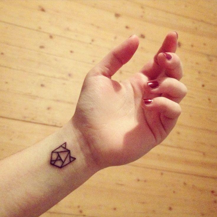 geometrical cat tattoo
