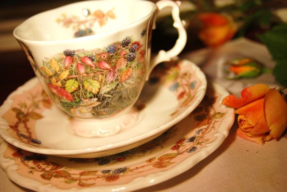 """Autumn"" Brambly Hedge Tea set Signed by Jill Barklem 1983, England"