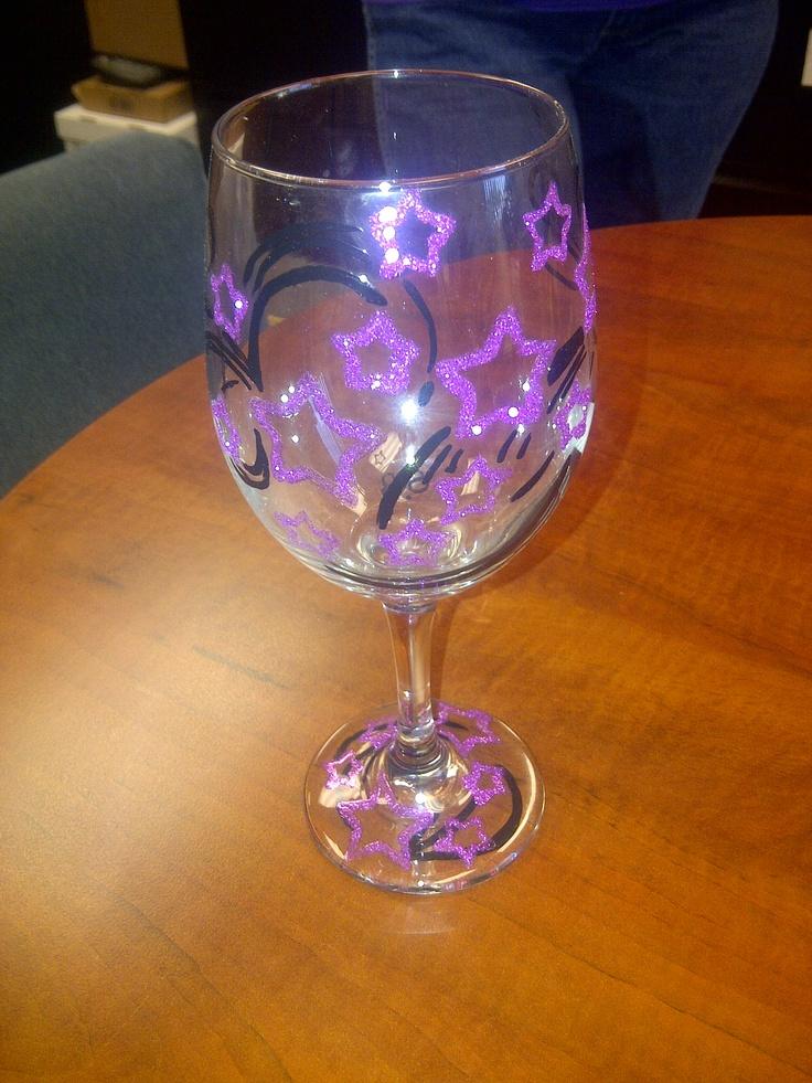 1000 images about wine glasses with glitter on pinterest. Black Bedroom Furniture Sets. Home Design Ideas