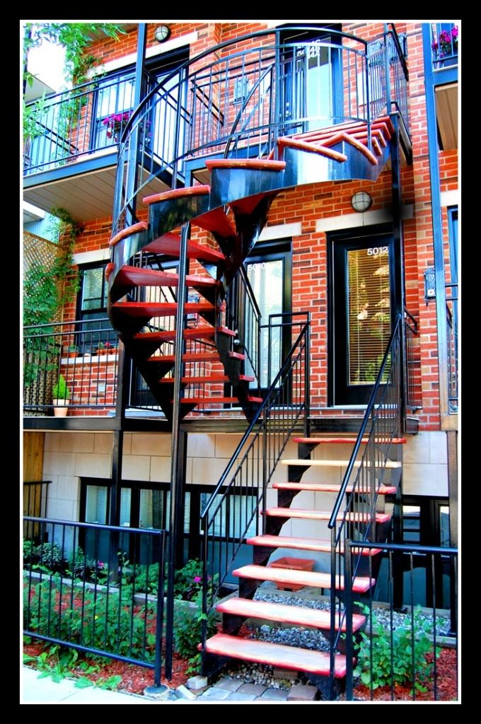 Escalier à  Montreal