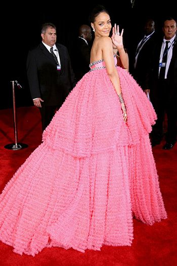 В платье Giambattista Valli Couture иукрашениях Chopard
