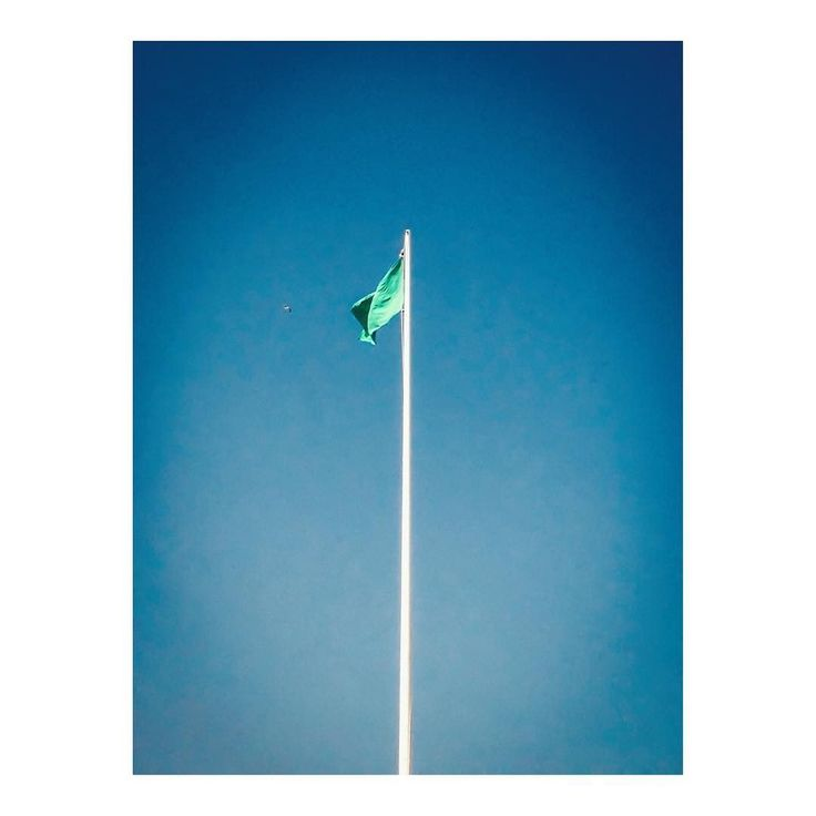 Imarchi    Green flag _ Bandera verde   #beachlife #ocean #verde #playa #beachday #flag #mar #azul #vacaciones #paradise #verano #islandlife #surf #beaches #summervibes    See it in Instagram http://ift.tt/2tZuUPA imarchi imarchi.com photographer fotografo Madrid Spain photography Phoneography iPhoneograp imarchi imarchi.com photographer fotografo Madrid Spain photography photo foto iphone Phoneography iPhoneography mobile