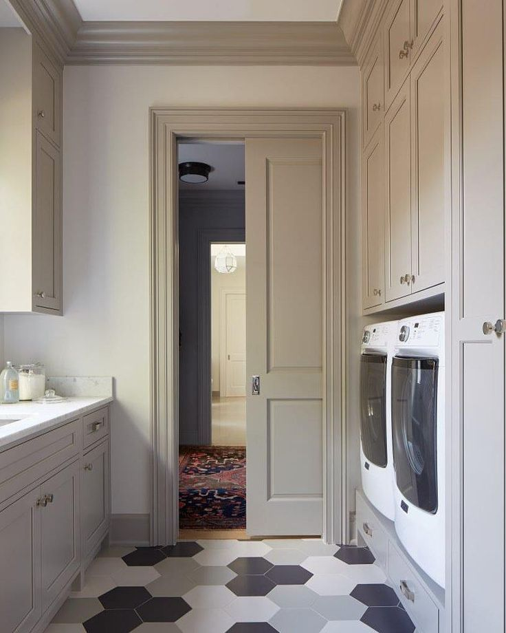 "1,809 Likes, 17 Comments - Home Bunch (@homebunch) on Instagram: ""I am loving this #LaundryRoom designed by @andrewjhow. The #cabinet #paintcolor is #@benjaminmoore…"""