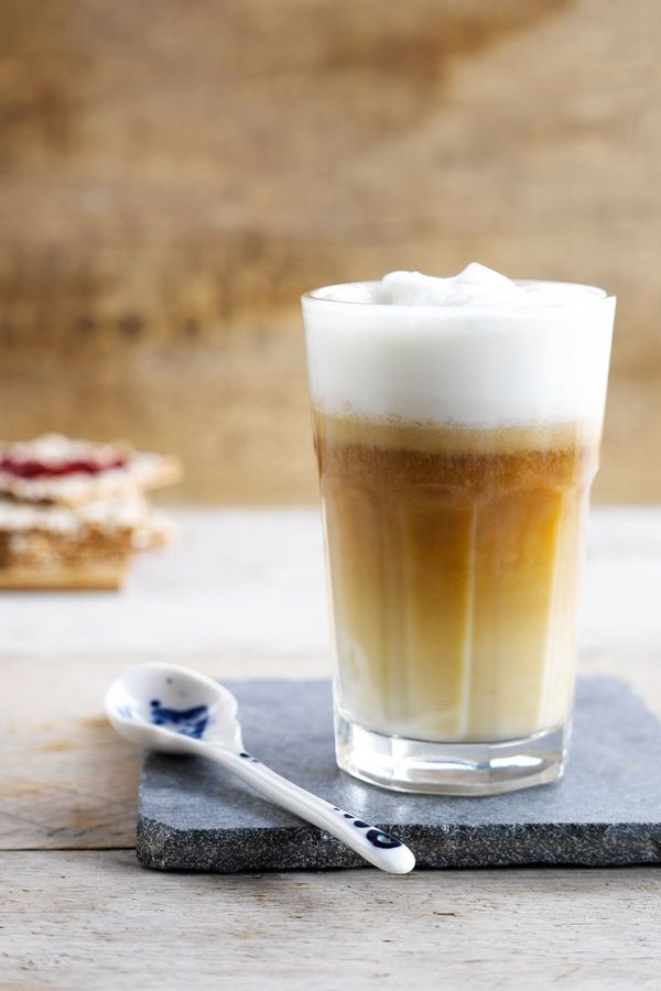 Impress your friends with this stylish latte macchiato you can make easily yourself!  Meal of the day: breakfast - coffee - drink Ingredients: espresso - Almond  Suited for: lactose-free - vegetarian - gluten-free - vegan.