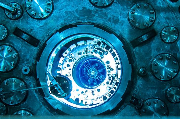Reator nuclear em plena ação parece coisa de filme de ficção científica