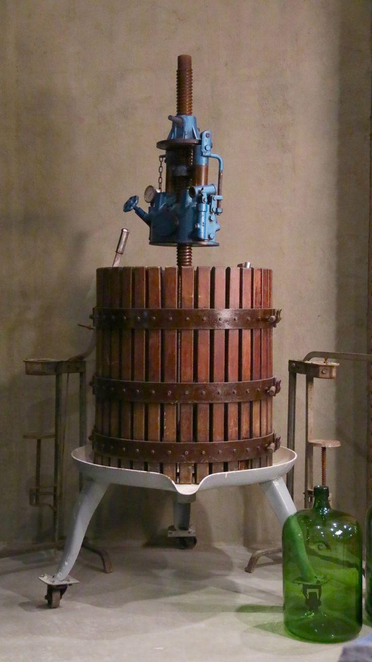 The Cellardoor, wine lifestyle boutique.