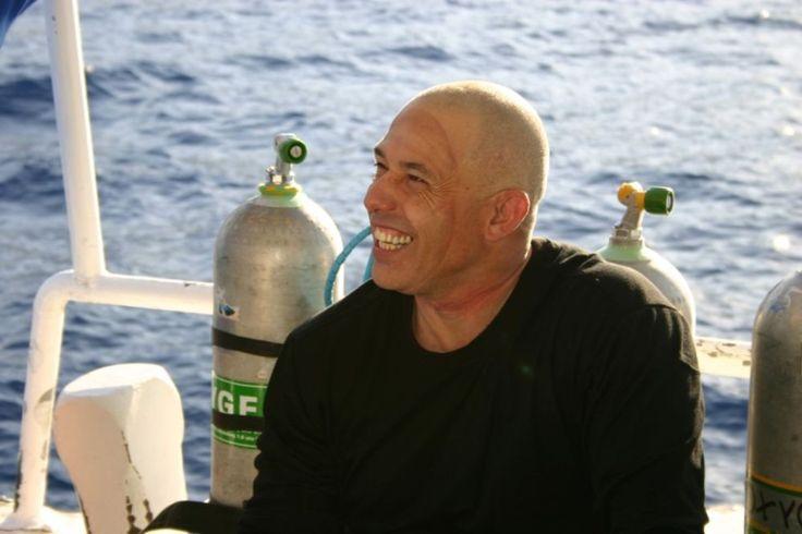 Nuno Gomes to dwukrotny rekordzista świata w nurkowaniu. Nam wyjaśniał m.in. to, skąd bierze się strach. Całość wywiadu dostępna pod linkiem: http://www.mmwroclaw.pl/artykul/nuno-gomes-strach-bierze-sie-z-ignorancji-rozmowa-mm,3119622,artgal,t,id,tm.html
