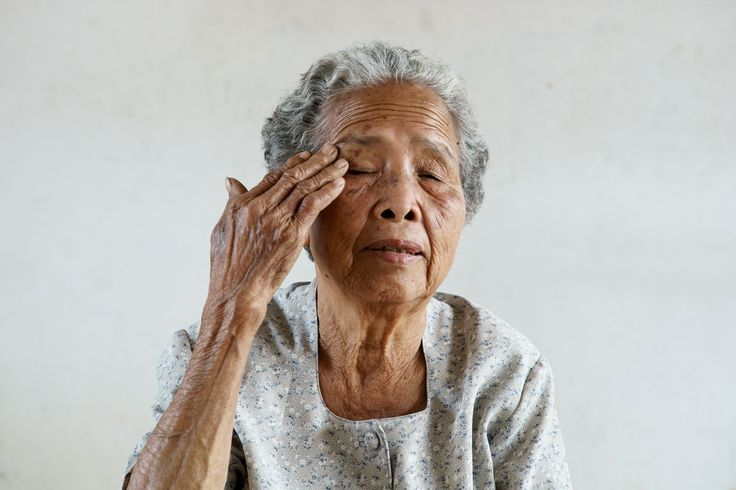 Signs of Elderly Pneumonia   Many seniors have multiple ailments such as: diabetes, Alzheimer's or heart disease. These other conditions can increase a senior's risk for contracting pneumonia. #pneumonia #homecare #daytonabeach