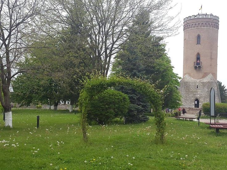 Targoviste Curtea domneasca turnul Chindiei
