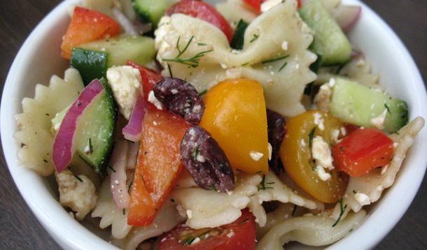 Greek Pasta Salad Recipe :: YummyMummyClub.ca