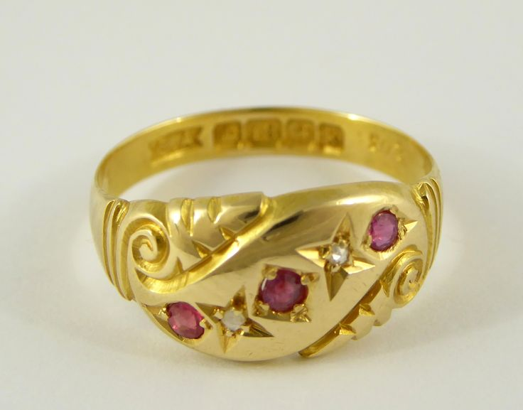 Antique 1909 18ct Gold Hallmarked Ring Set with Diamonds and Rubies Size M - The Collectors Bag