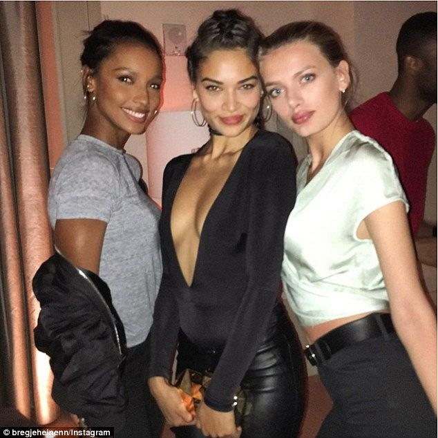 Picture perfect: Shanina was sure to celebrate with some of her fellow Victoria's Secret m...
