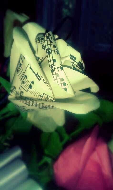 Musicsheet rose