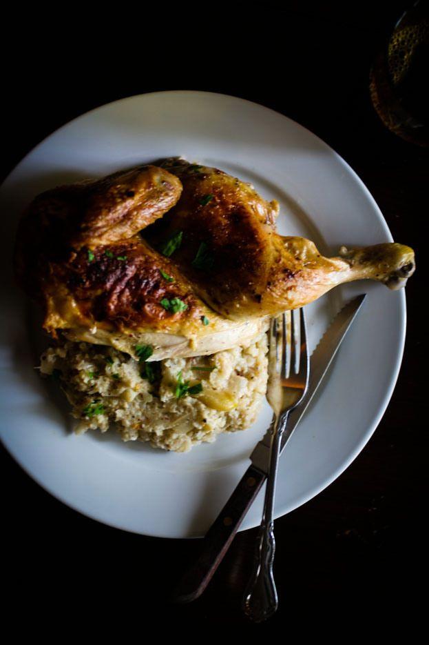 Gebratenes Huhn mit Blumenkohl Mash Tabelle