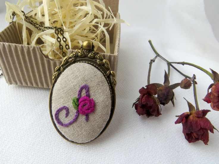 Looking for #personalizedgifts in my #handmade shop! A lot #embroidered #necklaces, #earrings, #brooches, natural #linenbags and #purses with #handembroidery will be a perfect #motherday gift, #giftforwife, #giftforsister or #anniversarygift.