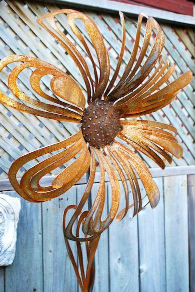 metal garden flowers LOVE!!!