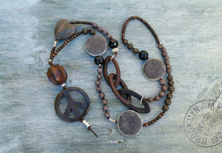 Ketten lang - Kette - Acai Beads - grau/braun/schwarz - Horn - ein Designerstück von charm_one bei DaWanda