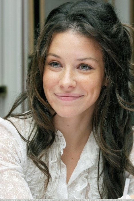 Evangeline Lilly...she plays Kate in LOST and is sooooooooooooo pretty...she is probably top 5 prettiest people i know, literally. And she is a perfect actress that made LOST all the better(: