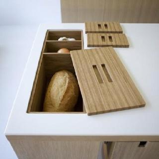 Brotdose mit zwei weiteren Fächern