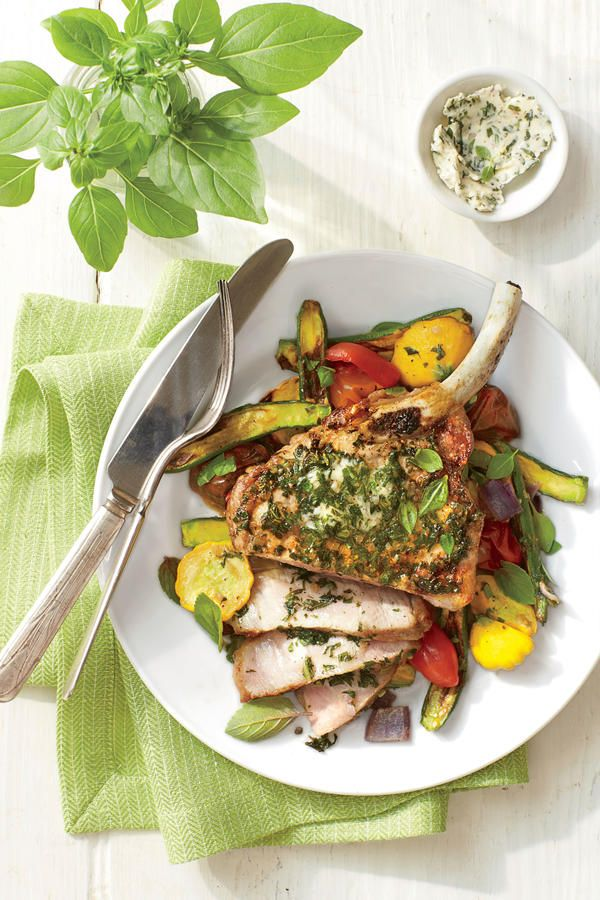 21 Quick Fix Pork Chop Suppers: Broiled Pork Chops with Basil Butter and Summer Squash
