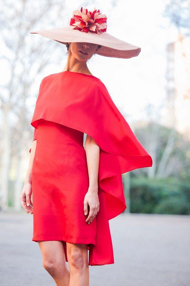 Invitadas elegantes... ¡y con capa! | AtodoConfetti - Blog de BODAS y FIESTAS llenas de confetti