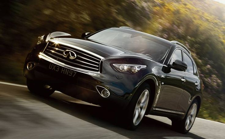 2017 Infiniti QX70 side view, headlights and grille Cool