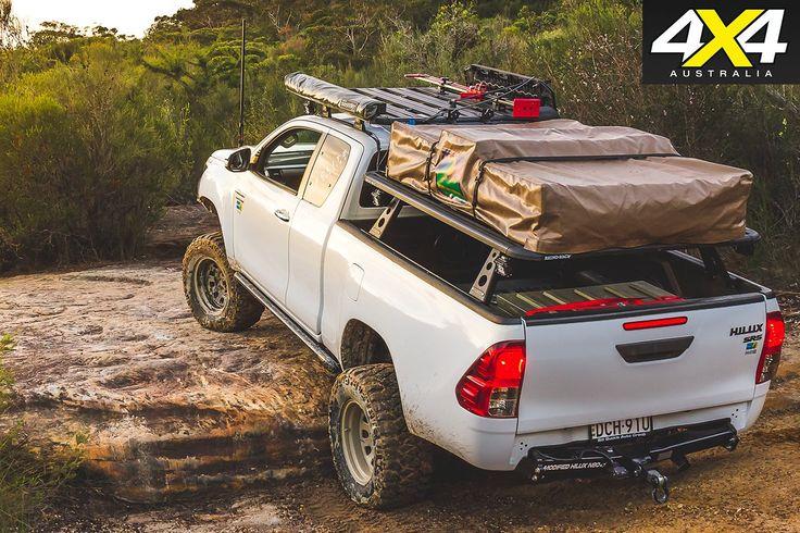 N80-Toyota-Hilux-SR5-rear