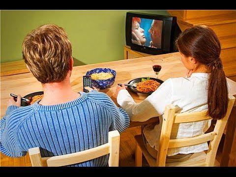 Televisión adictiva es mala para niños y adultos de todas las edades.