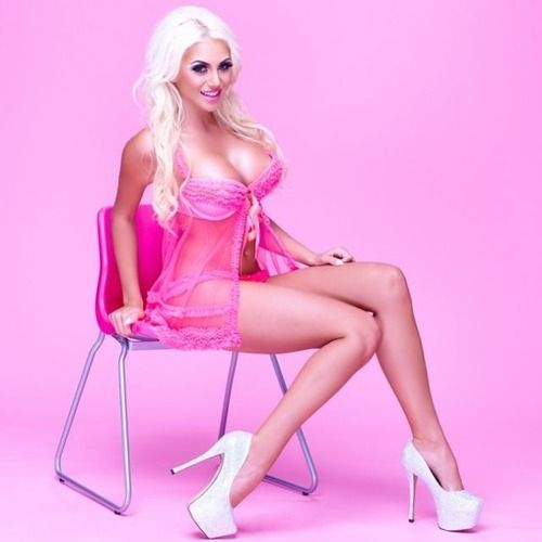Pink bimbo ariane - 3 part 5